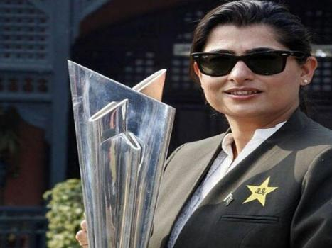 Tributes pour in after Sana Mir tops ICC Women's ODI Rankings