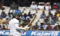 Mushfiqur´s record innings puts Bangladesh on top
