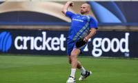 Bleeding on lungs sees Aussie paceman Hastings retire