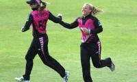 Women's World T20: New Zealand thrash Pakistan by 54 runs