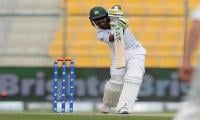 New Zealand dismiss Pakistan for 227 in first Test