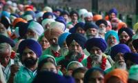 WATCH: Sikh pilgrims receive warm welcome from Pakistanis