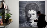 Michael Jackson fans look to beat it down to Paris art show