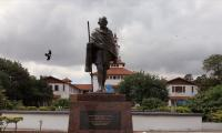 Ghana Gandhi statue removed after student protest