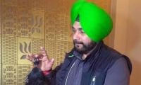 Navjot Singh Sidhu in trouble over black partridge 'gift' from Pakistan