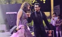 Ranveer Singh is a gentleman: Hina Khan after he helped her walk down the stairs