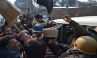 Indian police arrest Mirwaiz, Yasin Malik during protest march in Srinagar