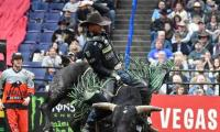 Mason Lowe, professional bull rider, dies in competition