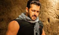 Salman Khan lookalike spotted in Karachi