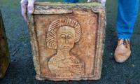 ´Indiana Jones of art´ finds stolen Spanish carvings in English garden