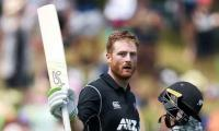 New Zealand beat Bangladesh by 8 wickets to win series