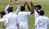 Sri Lanka take four South African wickets before lunch