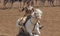 Kangana Ranaut gets laughed at for riding mechanical horse in Manikarnika
