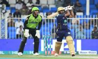 PSL 4 Match 12: Quetta Gladiators defeat Lahore Qalanders in a nail-biting thriller