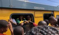 South African president stuck in train for hours
