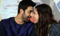 Deepika dances with ex Ranbir Kapoor on husband Ranveer's 'Aankh Marey'
