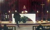 Priest stabbed during mass at Canada´s biggest church amidst live stream