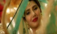 Mahira Khan's jaw-dropping look in 'Paray Hut Love' will leave you stunned