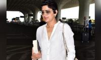 Sonali Bendre spotted at Mumbai airport rocking short hair, pictures go viral
