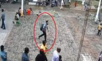 Video: Suspected Sri Lanka suicide bomber entering church