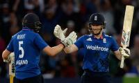 Pakistan vs England: Imad, Afridi strike but England still post 351-9 against Pakistan