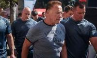 Video: Arnold Schwarzenegger attacked