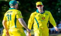 Australia´s Warner and Smith booed against England