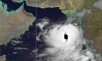 Update: 'Very Severe' cyclone 'Vayu' now 725 km southeast of Karachi