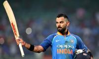 Kohli completes fastest 11000 ODI runs, breaks Tendulkar's record