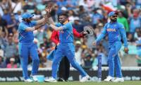 Pakistan face World Cup exit after embarassing India loss