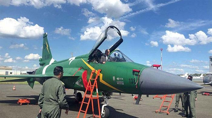 Pakistan's JF-17 Thunder gives spectacular performance at