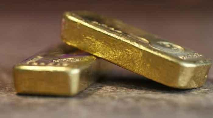 Gold glistens as US-Iran tensions fuel flight to safety
