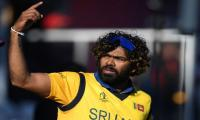 Sri Lanka to carry on wearing ´lucky´ yellow World Cup shirts