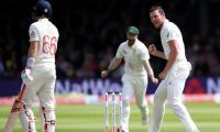 Australia dismiss England for 258 on second day of second Test
