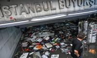 Downpour paralyses Istanbul, historic Grand Bazaar, kills one