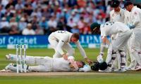 Brave Smith out for 92 after being hit in head by Archer bouncer