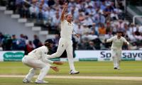 Australia 250 all out against England in second Test