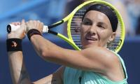 Kuznetsova denies Barty's bid to return to World No. 1