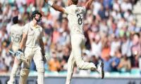 England close on Ashes-levelling win after Smith's dismissal