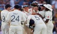 England crush Australia to square Ashes series