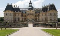 Thieves nab 2-mln-euro haul from vaunted French castle