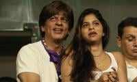 Shah Rukh Khan advices Suhana to kick guys like 'Raj' or 'Rahul'