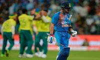 South Africa restrict India to 134-9 in third T20