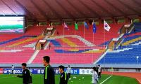 FIFA president ´disappointed´ to see empty stands in historic Koreas qualifier