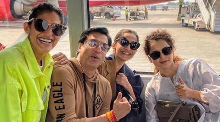 Sonam Kapoor, Kangana Ranaut bury the hatchet after ugly spat?