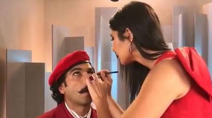 Katrina Kaif helps Ranveer Singh reach 'unprecedented level of hotness'