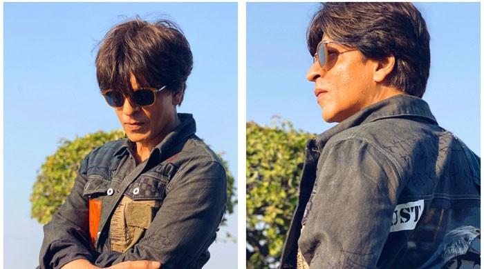 Shahrukh Khan shines in his stylish jacket gifted by Karan Johar