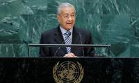 Malaysia's Mahathir stands by Kashmir comments despite palm oil boycott by India traders