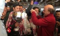 Cueist Asif given hero's welcome for world title