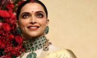 Deepika Padukone looks ethereal in a golden saree: Check out her stunning picture now